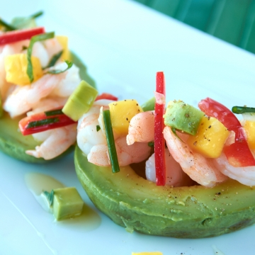 Avocado stuffed with shrimp and mango
