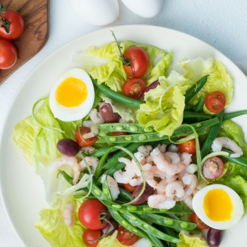 Niçoise salad with Nordic shrimp