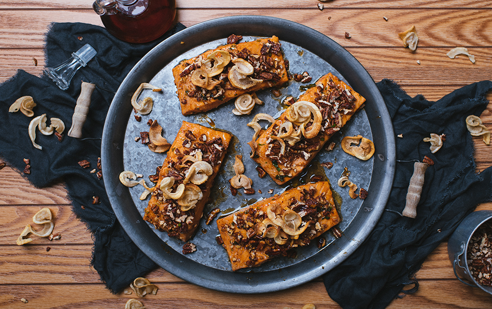 Maple salmon with praline pecans